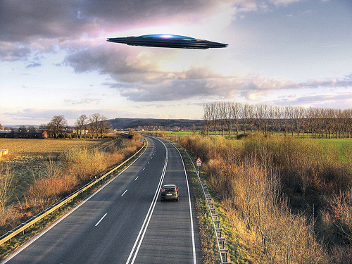 UFO over highway B83